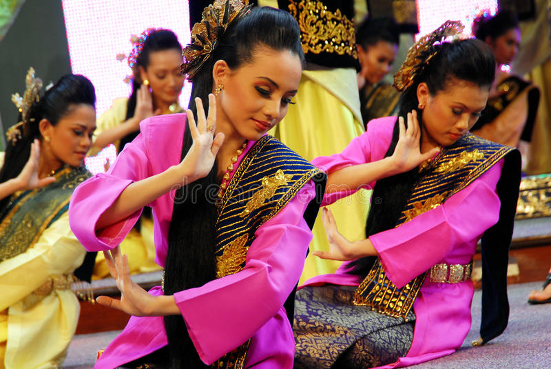 Malay Traditional Dance Editorial Stock Image