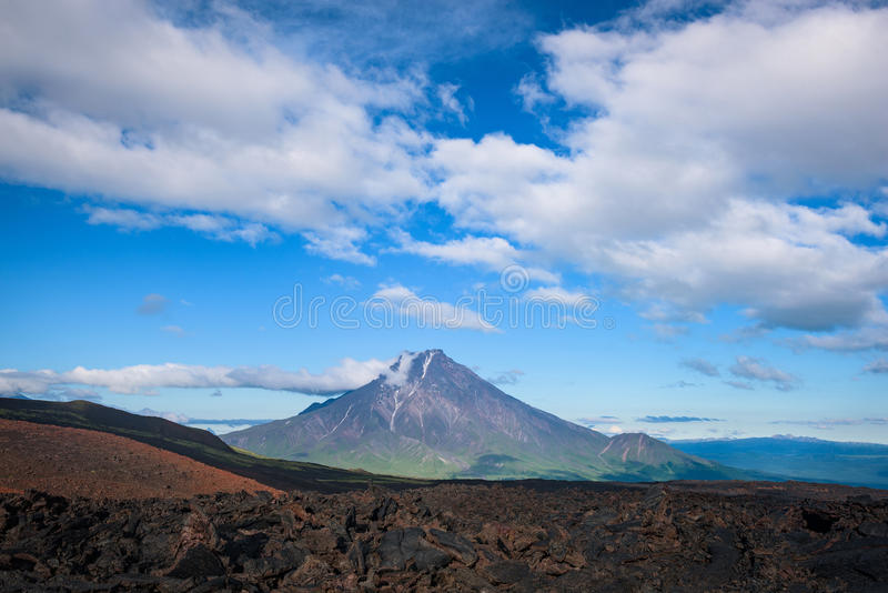 Malaya Udina Volcano près de volcan de Tolbachik photographie stock