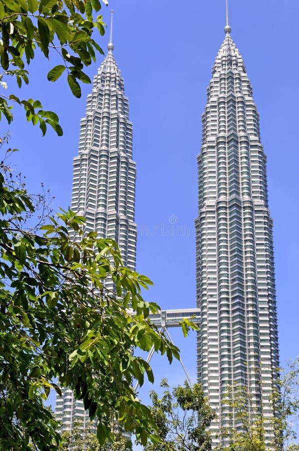 Malaysia Kuala Lumpur: Petronas står hög arkivfoton
