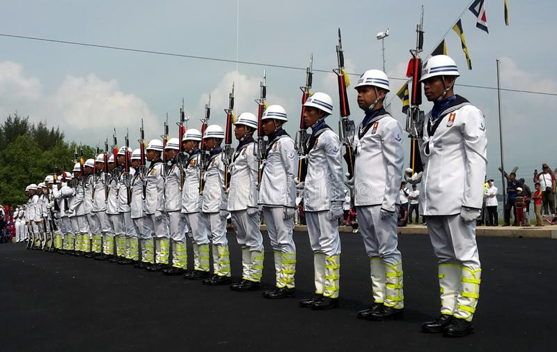 Malaysisk militär demonstration för Royal Navy TLDM under det 85. malaysiskt royaltyfri foto