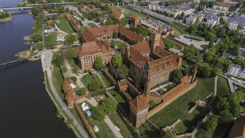 Malbork ein starkes Teutonic Schloss ?ber dem Nogat von einer Vogelschau stockfoto