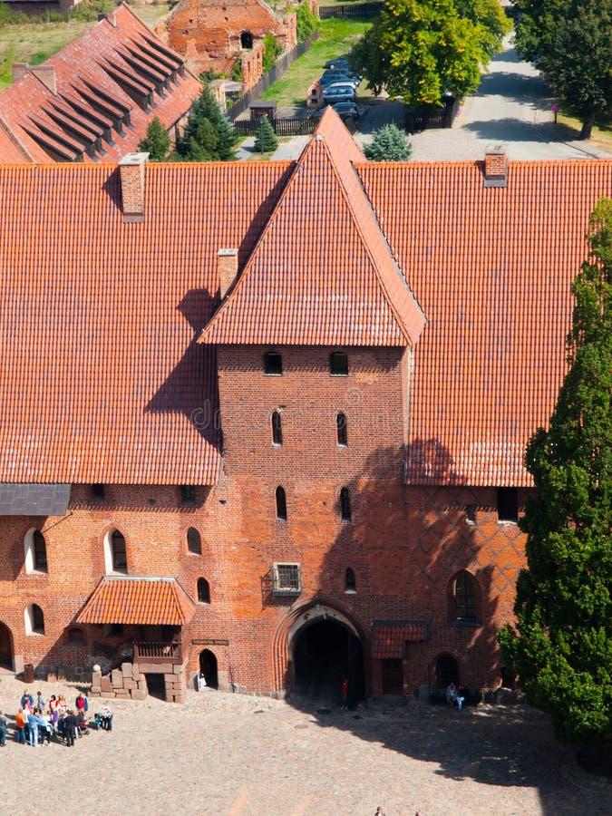 Malborkkasteel, luchtmening van ingangspoort van hoofdtoren, Polen royalty-vrije stock foto's