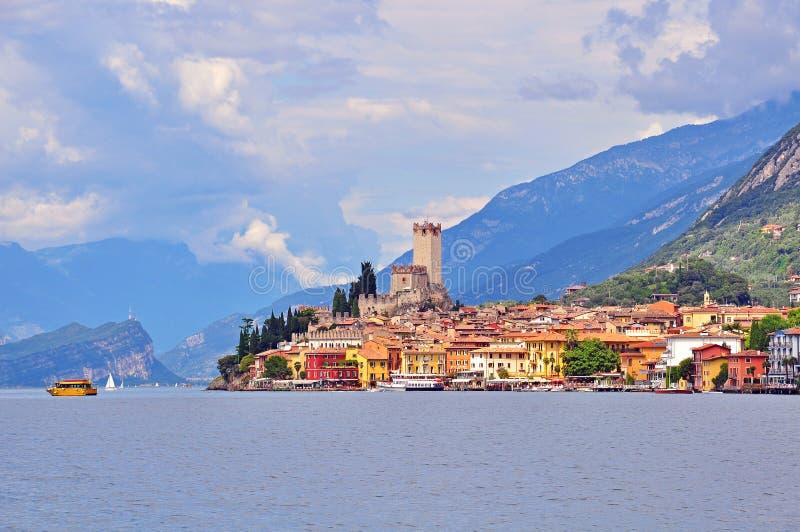 Malcesine en el lago Garda, Italia imagen de archivo