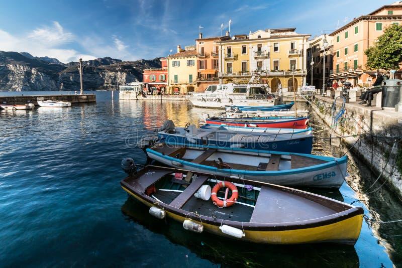 Malcesine jest miasteczkiem na Jeziornym Gardzie (Włochy) zdjęcia royalty free
