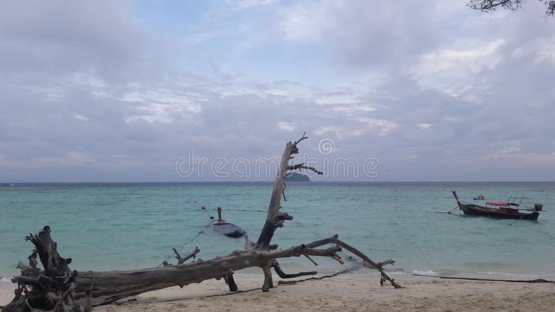 Maldives pequenos na ilha do lipe do koh fotografia de stock royalty free
