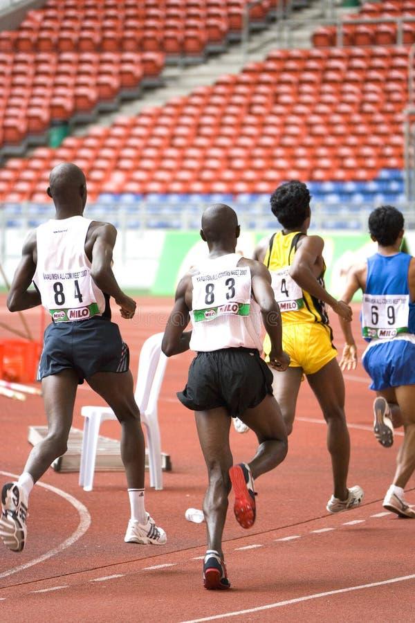 Male idrottsman nenar arkivfoto