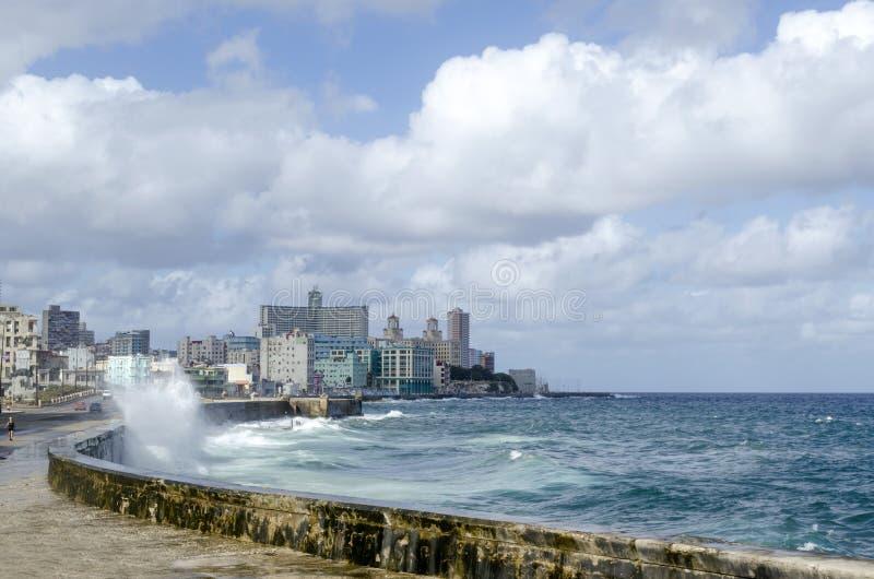 Download Malecon散步 库存图片. 图片 包括有 地标, 布琼布拉, 都市风景, atlantes, 天空, 拱道 - 72373467