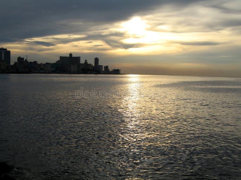 Malecon en la puesta del sol fotografía de archivo