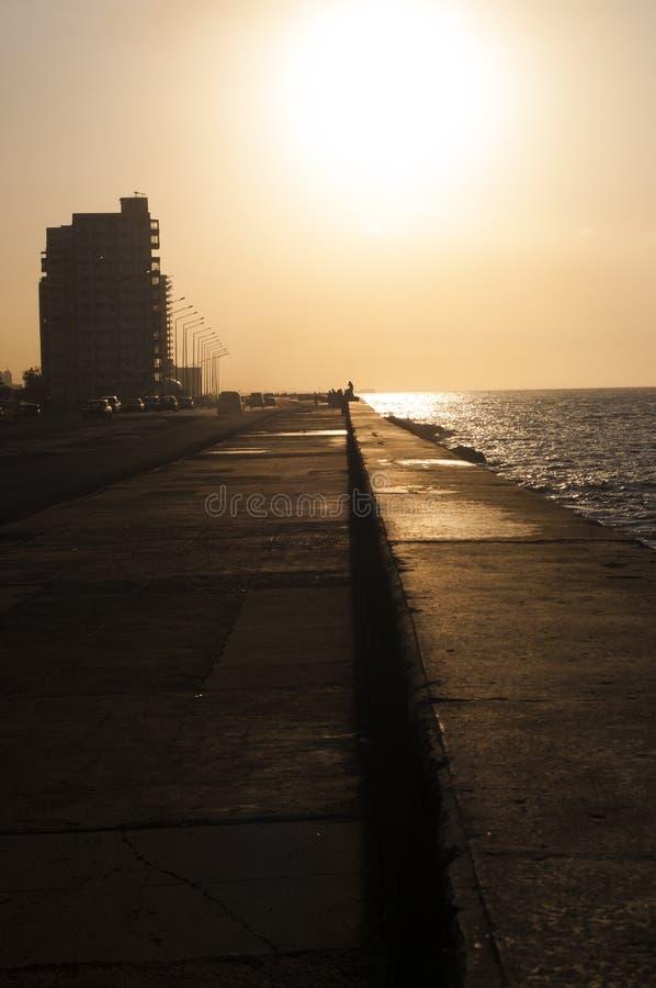 Malecon of Havana på den tropiska ön Kuba arkivfoto