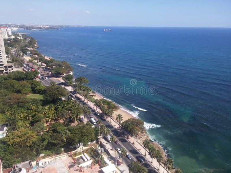 Malecon Santo Domingo, Dominikanska republiken för karibiskt hav för kustlinje royaltyfri foto