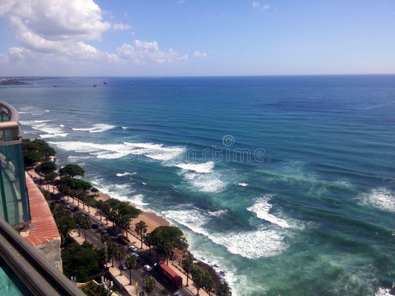 Malecon Santo Domingo, Dominikanska republiken för karibiskt hav för kustlinje royaltyfria foton
