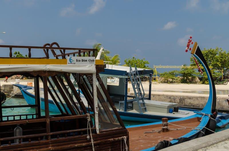 """MALEDIVEN-†""""im November 2017: Szenisches Boot für das Tauchen, Nahaufnahme, tropische Gulhi-Insel im Indischen Ozean, Malediven stockfotos"""