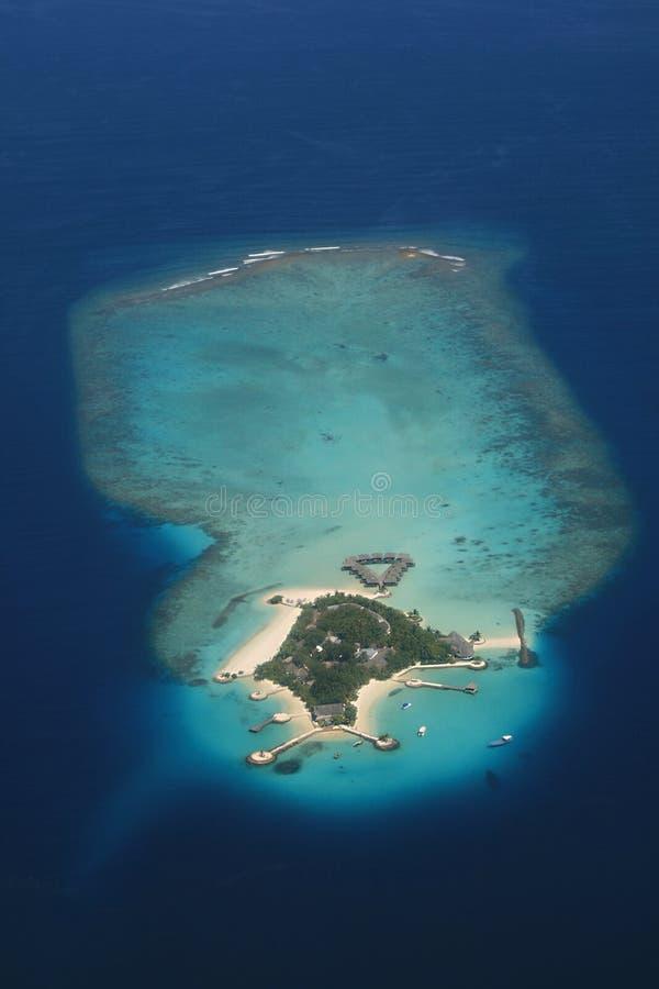 Maledivisch atol van hierboven stock foto