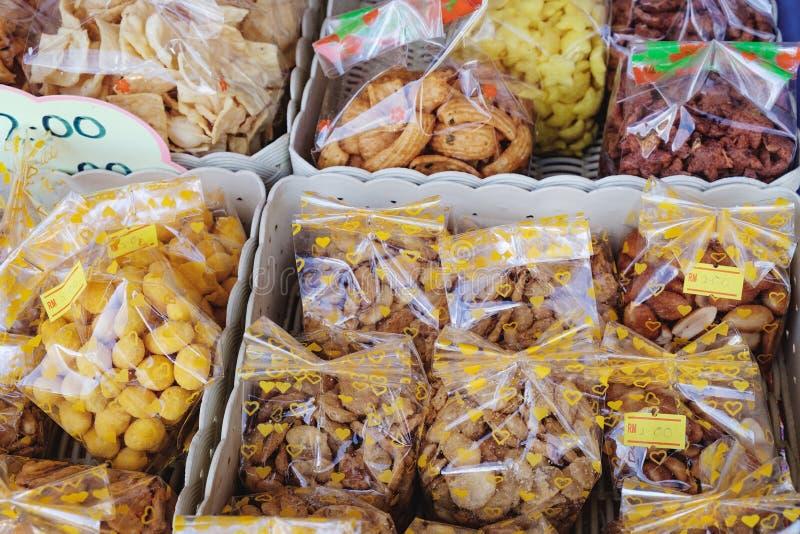 Maleis traditioneel zoet voedsel op straatmarkt royalty-vrije stock fotografie
