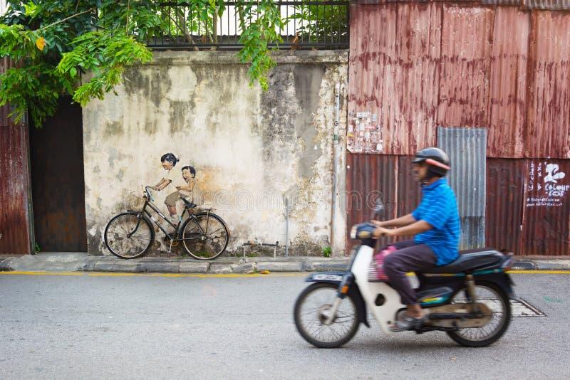 MALEISIË, PENANG, GEORGETOWN - CIRCA-JULI 2014: Echte fiets juxt royalty-vrije stock foto