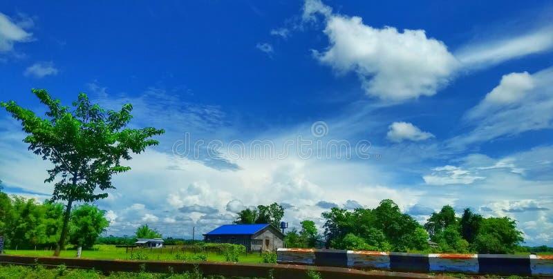 Malen Sie den Himmel und machen Sie es Ihr lizenzfreie stockfotografie