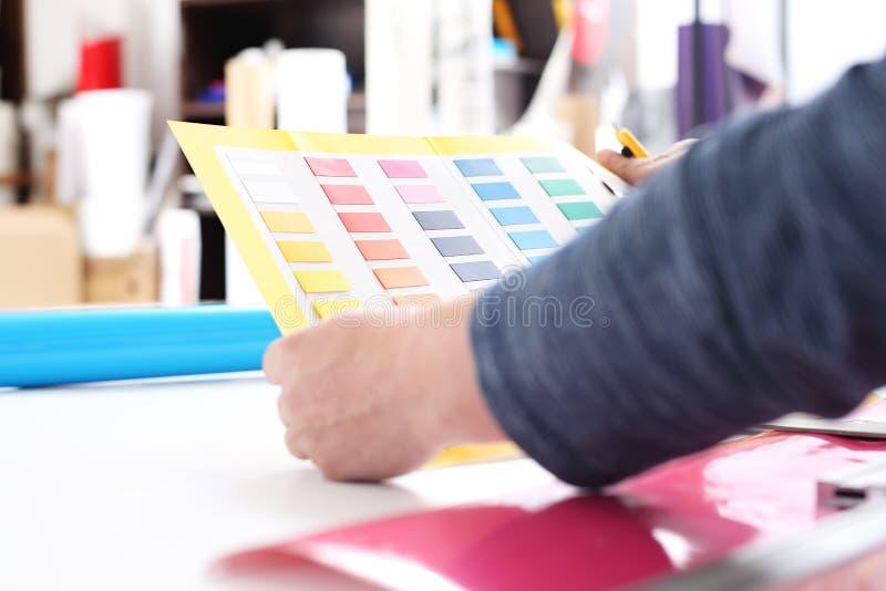 Malen Sie Farbprobenehmer stockbilder