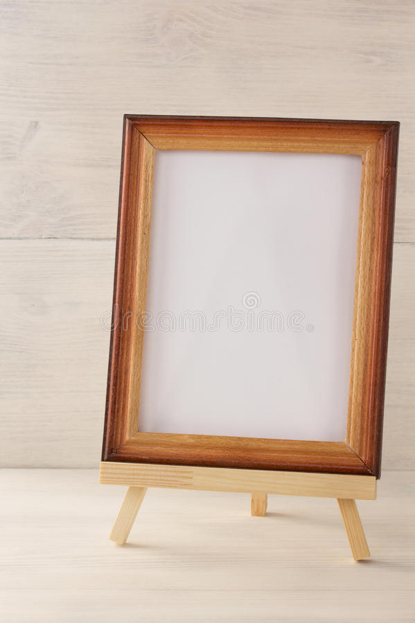 Malen Sie Rahmen auf Holz stockbild. Bild von leer, beschaffenheit ...