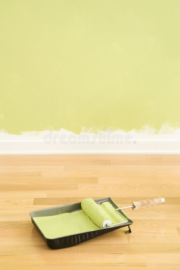 Malen Sie Zubehör und Wand. lizenzfreies stockfoto