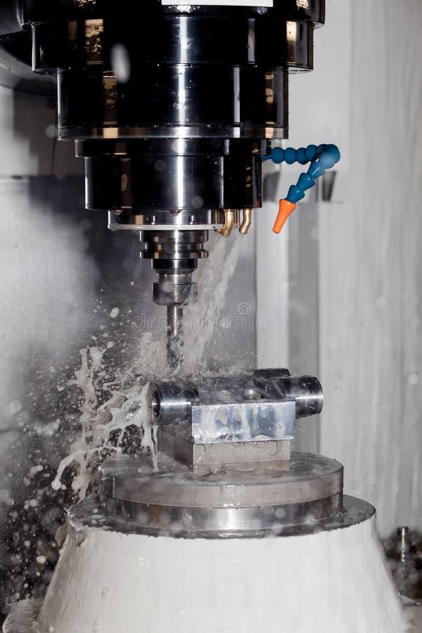 Malenmachine, metaalverwerking stock foto