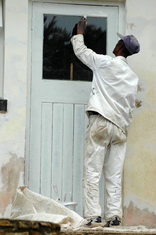 Maler bei der Arbeit lizenzfreie stockbilder
