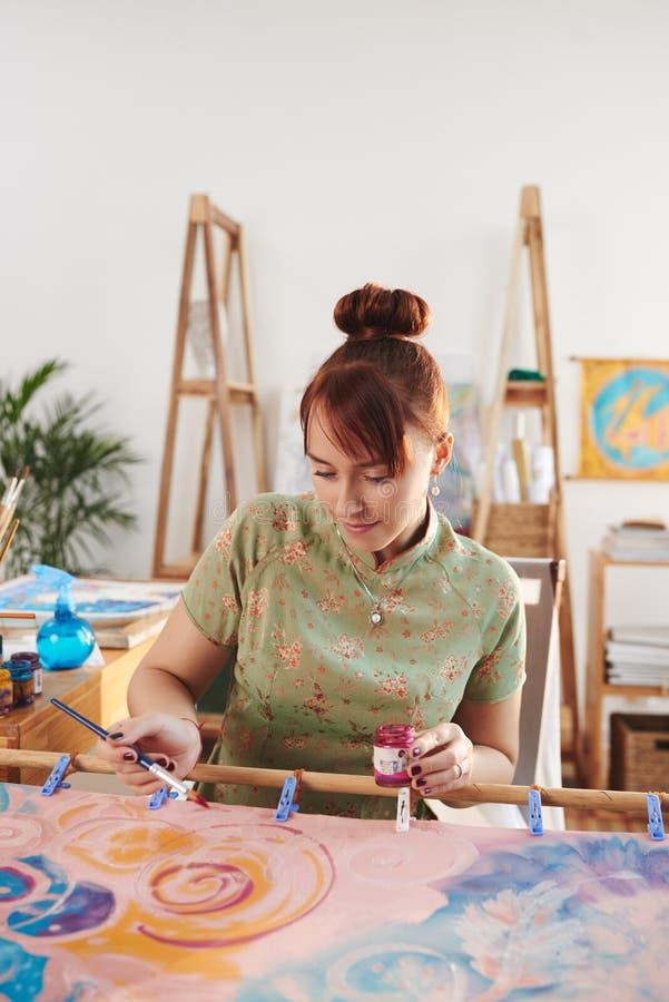 Malerei auf Seide lizenzfreie stockfotos