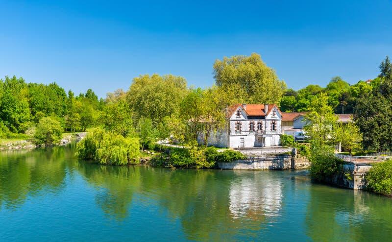 Malerische Landschaft des Charente-Flusses am Kognak, Frankreich lizenzfreies stockfoto