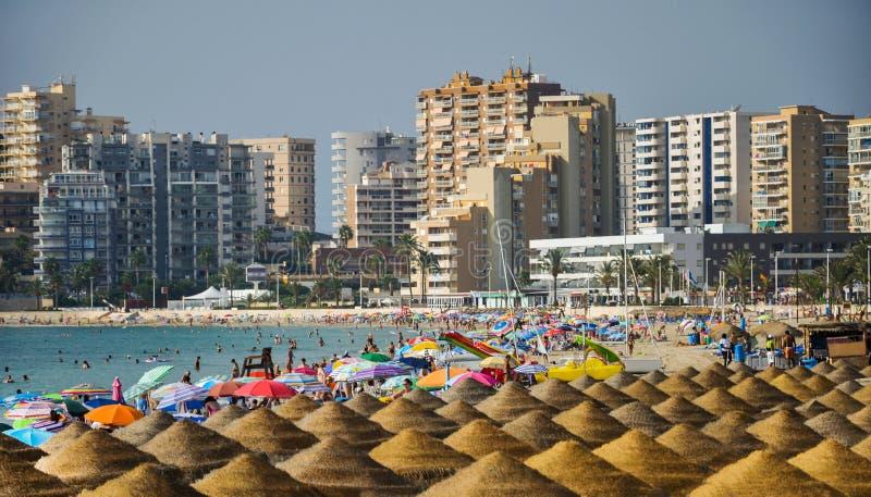 Download Malerische Landschaft Des Sandigen Strandes In Calpe, Spanien Redaktionelles Foto - Bild von nave, landschaft: 96927451