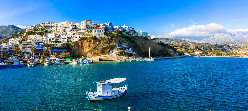 Malerisches Dorf Agia Galini in Kreta-Insel Griechenland lizenzfreies stockbild