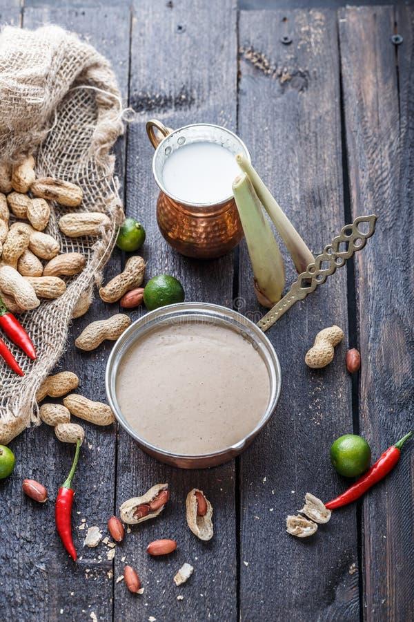 Malezyjski arachidowy kumberland dla satay ayam lub kurczaka skewers zdjęcia stock