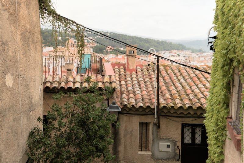 Malgrat de marzo, Spagna, agosto 2018 Casa tipica in una fortezza medievale immagini stock libere da diritti
