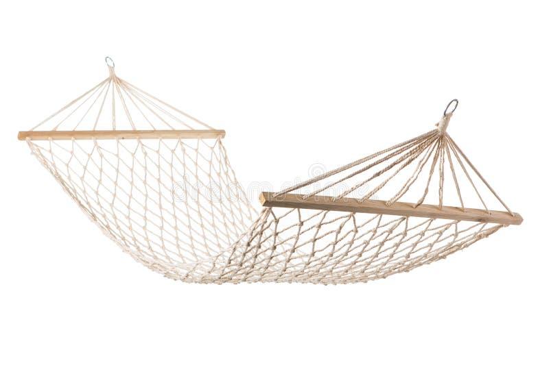 Malha da rede da corda branca que pendura em cordas, fundo branco foto de stock