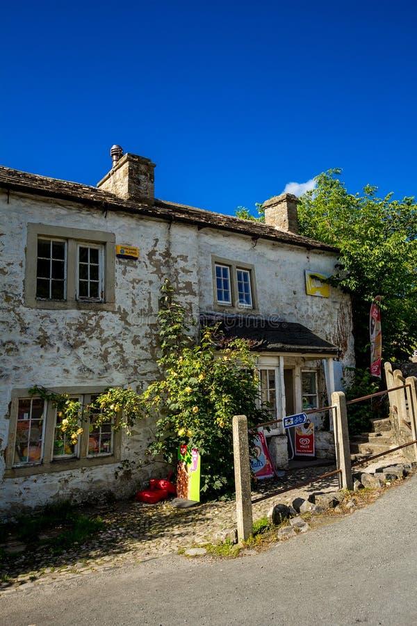 Malham, un pueblo en North Yorkshire, Inglaterra, Reino Unido fotografía de archivo