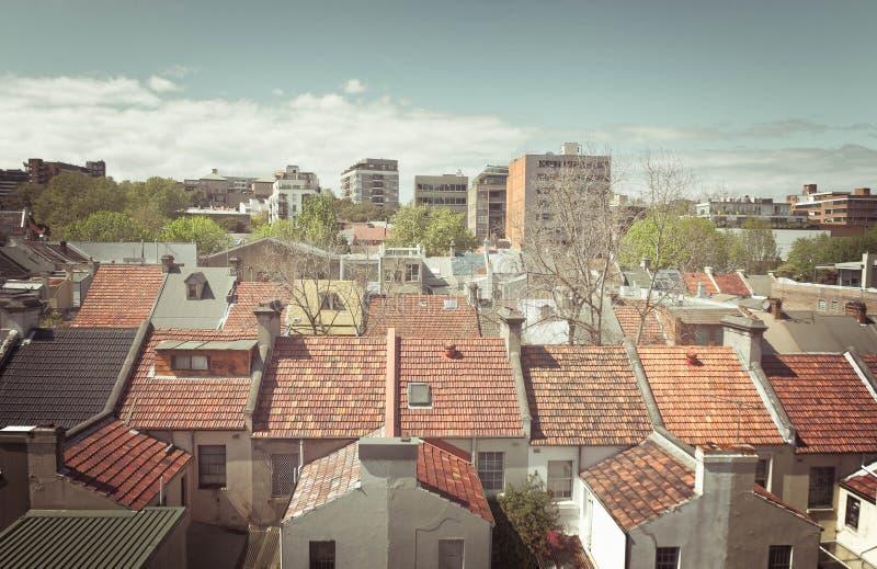 Mali miasto dachu wierzchołki obrazy stock