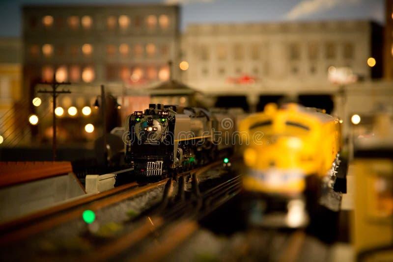 Mali zabawka pociągi zdjęcia royalty free