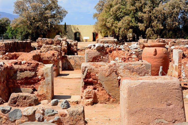Malia губит здания, Крит стоковое изображение