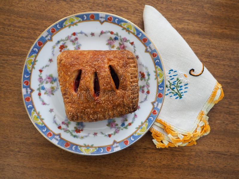 Malinka Wypełniający Viennoiserie ciasto na deseniującym Chiny fotografia stock