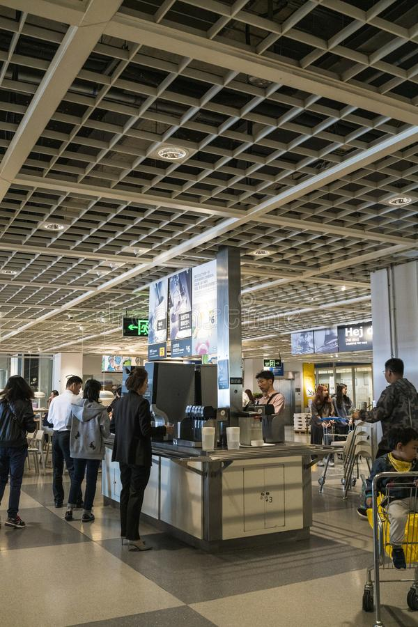 Mall Shenzhens IKEA, Restaurantbereich IKEA ist ein Entstehen von einer nordischen Lagerkette, verkauft es zusammengebaute Möbel  lizenzfreie stockfotos