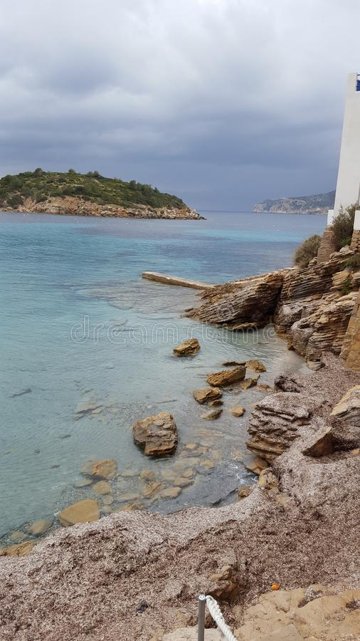 Mallorca strand och dåligt väder arkivbilder