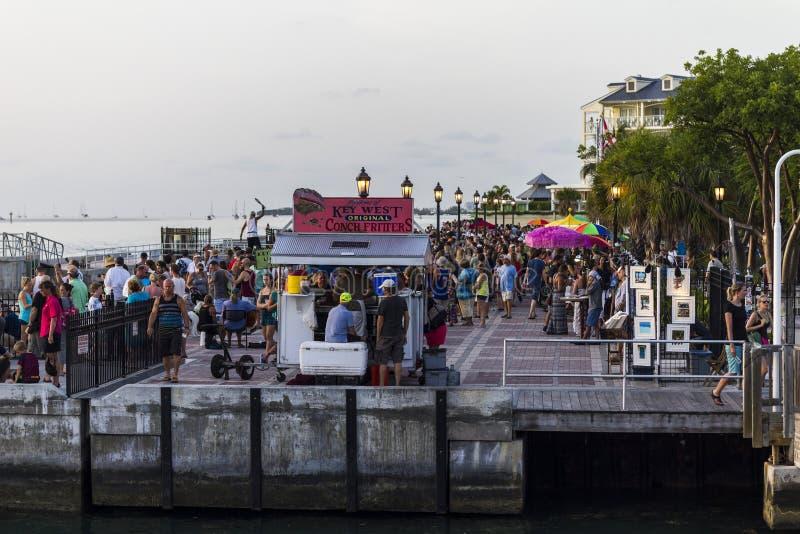 Mallory Square après coucher du soleil sur Key West, la Floride photo stock