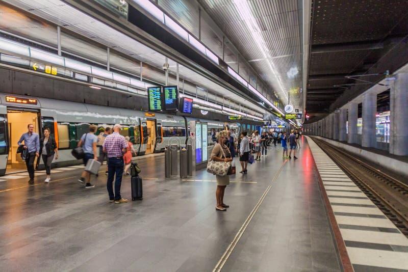 MALMO SZWECJA, SIERPIEŃ, - 27, 2016: Platforma Środkowy dworzec w Malmo, Swed zdjęcia royalty free