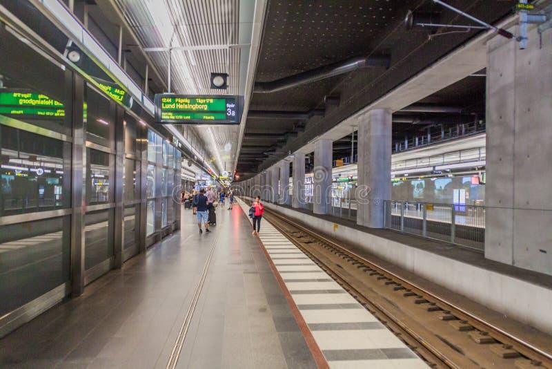 MALMO SZWECJA, SIERPIEŃ, - 27, 2016: Platforma Środkowy dworzec w Malmo, Swed zdjęcie stock