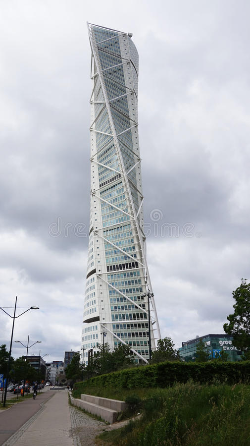 MALMO, ZWEDEN - MEI 31, 2017: Het draaien van Torso door Santiago Calatrava wordt ontworpen is het langste gebouw in Scandinavië  stock afbeeldingen