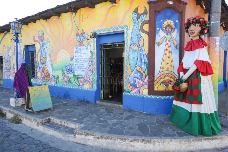Malowidło ścienne na domu przy Ataco w Salwador fotografia royalty free
