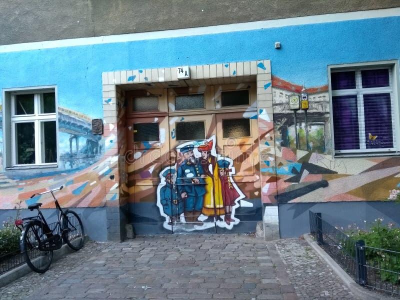 Malowidło ścienne sztuki graffiti Kreuzberg malowidła ściennego Berlińska sztuka Niemcy, Berlin, Friedrichshain-Kreuzberg okręg w fotografia royalty free