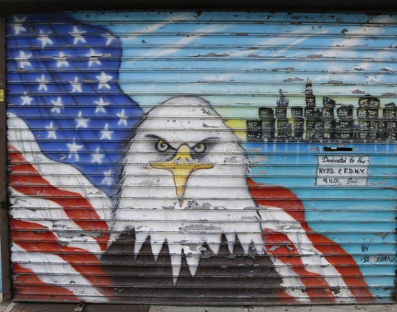 Malowidło ścienne w pamięci NYPD i FDNY personel gubjący przy Wrześniem 11, 2001 fotografia stock