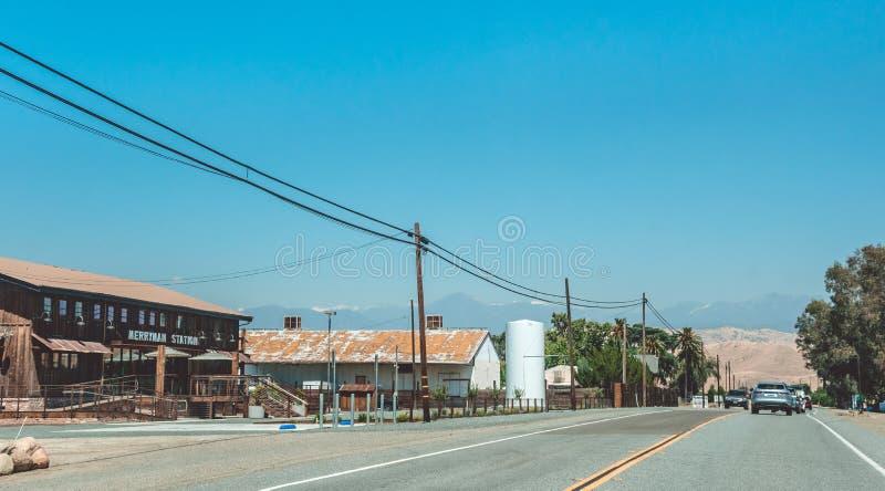 Malownicza autostrada w sierra Nevada Rolniczy teren w Kalifornia, usa Amerykański wiejski życie obraz stock