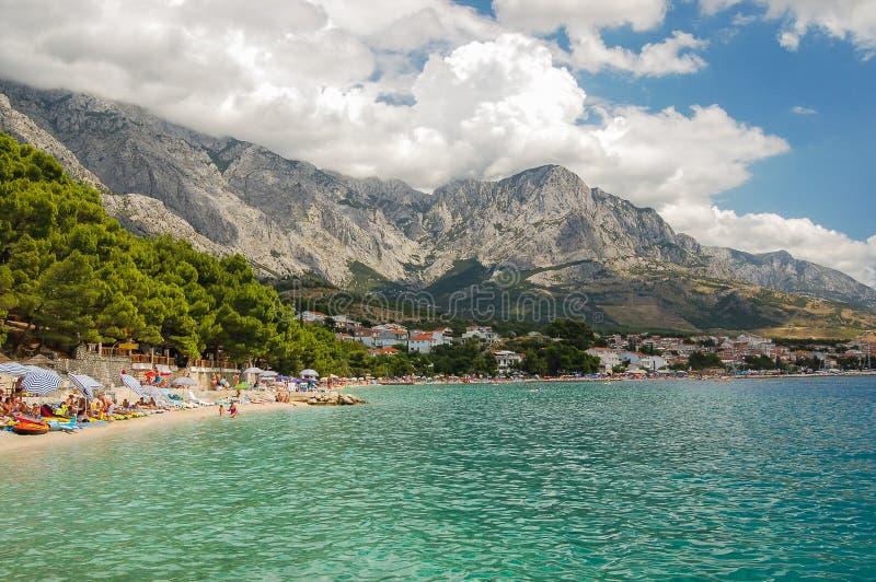 Malownicza dalmatian plaża w baska voda, Croatia zdjęcia stock