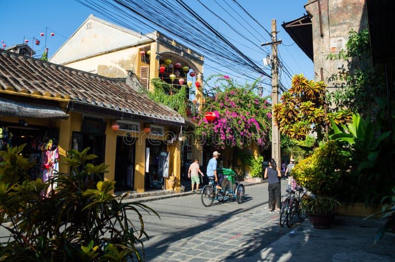 Malownicza ulica w Hoi, Wietnam obrazy royalty free