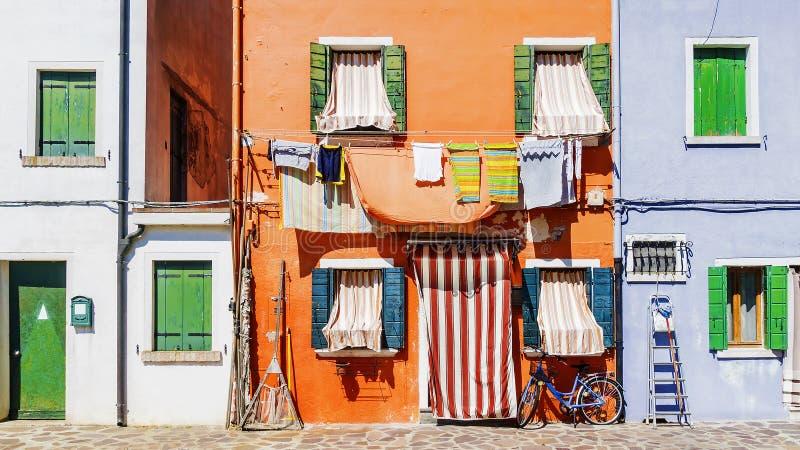 Malownicze fasady domy w wyspie Burano, Wenecja obrazy stock